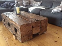 31 Indoor Woodworking Projects to Do This Winter - wood projects 150 Jahre altes Holz c Old Wood Table, Wood Resin Table, Rustic Table, Rustic Wood, Timber Furniture, Rustic Furniture, Deco Furniture, Diy Furniture Projects, Woodworking Projects