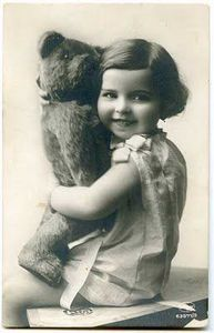 68 Best Ideas For Photography Black And White Vintage Old Photos Sweets Vintage Abbildungen, Images Vintage, Vintage Girls, Vintage Pictures, Vintage Postcards, Antique Photos, Vintage Photographs, Old Photos, Old Teddy Bears