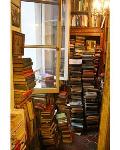 Just heaven in a room. No big deal... #Booksthatmatter #Bookhugs #Bloomingtwig #Yourstory