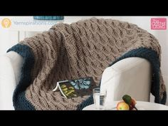 How to Crochet: Quick & Easy Thick Blanket Tutorial