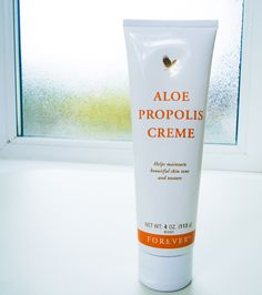 Excellent as a skin moisturizer and conditioner, Aloe Propolis Creme is a rich blend of stabilized Aloe Vera Gel and Bee Propolis, with other ingredients recognized for their contribution to healthy skin. Chamomile, one of nature's best-known skin care herbs, is also added to the mix. Vitamins A and E complete the formula, recognized for their natural skin-conditioning properties.