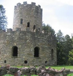 The castle at Eagle Point Park in Clinton, Iowa. This is probably TMI but Rob and I had sex at the top once. Lolol.