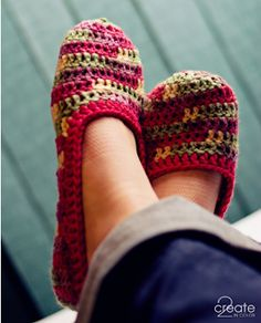 Sugar Bee Crafts: Crocheted Slippers