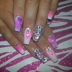Mani nails coffin nails