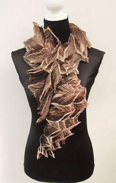 An Anne Selby scarf produced with the arashi shibori technique