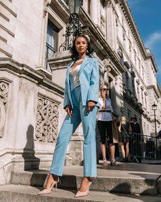 Fashion 2019 New Moda Style - fashion London Fashion Bloggers, Paris Fashion, Women's Fashion, Victoria Beckham, Street Style, Suits, Coat, Photography, Blue