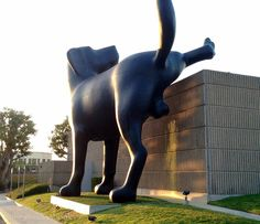 Bad Dog Sculpture by Richard Jackson at Orange County Museum of Art, newport beach, California