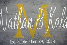 Amarillo y personalizada nombre signo nombre por RusticlyInspired