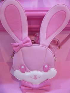 bunny bag by angelic pretty                              omg Yuki will love this!!!!!!!!