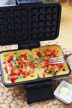5 przepisów z gofrownicy - Madame Edith Easy Healthy Meal Prep, Healthy Lunches For Work, Fast Healthy Meals, Healthy Breakfast Smoothies, Healthy Dishes, Helathy Food, Best Pumpkin Bread Recipe, Easy Chicken Dinner Recipes, Food Platters