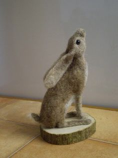 Needle felted hare by Sue Halden. Needle Felted Animals, Felt Animals, Felt Bunny, Needle Felting Tutorials, Felt Christmas, Christmas Stocking, Felt Toys, Wet Felting, Soft Sculpture