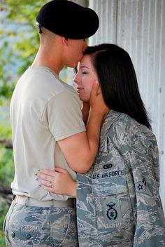 18 best navy wedding images fotografie, militärpaarbilder, m
