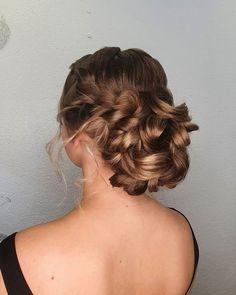 """30 tykkäystä, 1 kommenttia - Sandi Moilanen (@hairmakeup_sandi) Instagramissa: """"Boheemi kampaus maanläheiselle morsiamelle💕💍"""" Dreadlocks, Hair Styles, Beauty, Instagram, Fashion, Hair Plait Styles, Moda, Fashion Styles, Hair Makeup"""