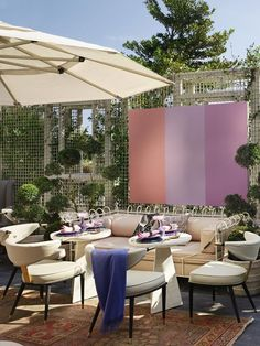 Outdoor Dining at the Viceroy Miami