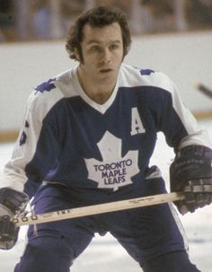 Ron Ellis one of the Legend coaches Maurice Richard, Hockey Games, Ice Hockey, Maple Leafs Hockey, Nhl Players, Nfl Fans, National Hockey League, Toronto Maple Leafs, 1930s