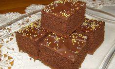 Čokoládový koláč máte hotový do 7 minút. Nepotrebujete naňho ani váhu, či odmerku. Postačí obyčajná šálka