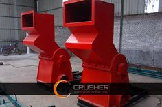 Metal crusher PSJ-600/800/1000 produced small-medium scrap metal crushing plant which are widely employed to crush and recycle pop cans, tin cans, metal food box, paint bucket, gas gasoline drum, oil filter, shell of refrigerator and washing machine, steel tile, light bar keel, etc. The metal crusher PSJ-600/800/1000 is a good choice for small and medium-sized metal recycling companies. There is a hydraulic lid device on scrap metal crusher PSJ-1000, which is convenient for maintenance.