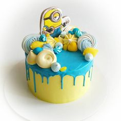 99 отметок «Нравится», 7 комментариев — Домашние торты на заказ (@imfalji) в Instagram: «Как же я ждала торт с миньонами) теперь и у меня есть ___________________________________ До 17…» Cupcakes, Cake Cookies, Cupcake Cakes, Pretty Cakes, Beautiful Cakes, Minion Birthday, Birthday Cake, Sofia Cake, Little Cakes
