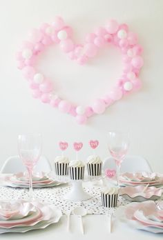 Awesome 49 Gorgeous Party Decoration Ideas For Valentines Day. Valentines Balloons, Valentines Day Food, Valentine Day Crafts, Birthday Balloons, Be My Valentine, Birthday Parties, Puppy Valentines, 5th Birthday, Girl Baby Shower Decorations