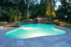 Modern Spectacular Swimming Pool Design