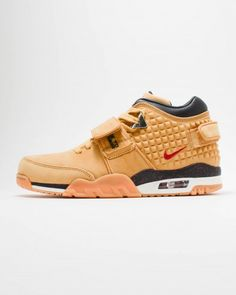 2110006beac Nike Air Trainer Cruz PRM Mens Lifestyle Shoe sports an all-Wheat colored  base with