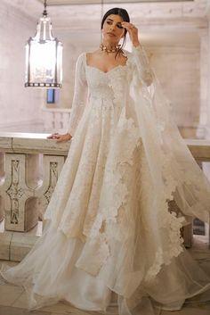 Dresses Elegant, Pakistani Dresses Casual, Indian Gowns Dresses, Pakistani Bridal Dresses, Indian Fashion Dresses, Dress Indian Style, Nikkah Dress, Indian White Wedding Dress, Pakistani Engagement Dresses