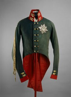 Coronation uniform of Emperor Alexander I of Russia. ©The Moscow Kremlin Museums. Historical Costume, Historical Clothing, Military Dresses, Military Uniforms, Military Coats, Tsar Nicolas Ii, Moscow Kremlin, Court Dresses, 1800s Fashion