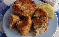 Healthy, simple fishcake recipe with potatoes, tuna and peas, suitable from 11 months