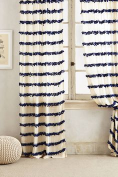 ME ENCANTA ESTA CORTINA COMO PROYECTO. Swing Stripes Curtain - anthropologie.com