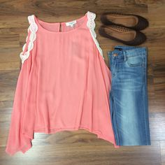 This coral lace trim tank is perfect with these denim skinnies and flats! Great for any occasion! :) #styledbyBreanna