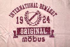 【mobus】モーブス♪ スイス風カレッジプリントTシャツ★110-8016