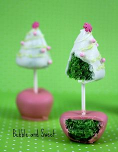 Christmas Tree Cake pop