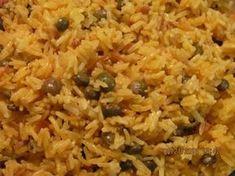 Haitian Pigeon Peas and Rice Recipe – haitianfoodrecipe… FULL RECIPE HERE Yellow Rice Recipe yellow rice recipe chicken and yellow rice re. Yummy Recipes, Rice Recipes, Vegetarian Recipes, Cooking Recipes, Donut Recipes, Recipies, Dinner Recipes, Beef Recipes, Yummy Food