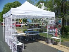 Booth setup using grid wire
