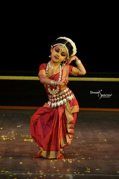 Dance Paintings, Indian Art Paintings, Dance Information, Body Painting Festival, Dancer Drawing, Indian Classical Dance, Cute Baby Girl Pictures, Exotic Dance, Shall We Dance