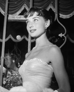 Audrey Hepburn's curly bangs in Roman Holiday