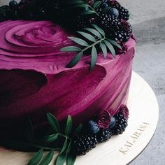 What Would a Wedding Be Without a Wedding Cake? Do You Love Blue Wedding Cakes? Here's Why Unusual Wedding Cakes Take The Cake! *** You could find out even mor Pretty Cakes, Cute Cakes, Beautiful Cakes, Amazing Cakes, Beautiful Cake Designs, Yummy Cakes, Bolo Tumblr, Cupcake Cakes, Food Cakes