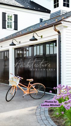 Black House Exterior, House Paint Exterior, Exterior House Colors, Exterior Design, Cape Cod Exterior, Exterior Paint Colors, Farmhouse Front Porches, Modern Farmhouse Exterior, Screened In Porch