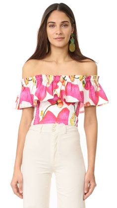 ¡Cómpralo ya!. Isolda Amanda Top - White Abrico. A bold print livens up this Isolda crop top. A flounce trims the off shoulder neckline, and smocked elastic cinches the sides. Fabric: Poplin weave. 98% cotton/2% elastane. Hand wash or dry clean. Imported, Brazil. Measurements Length: 11.75in / 30cm, from center back Measurements from size S. Available sizes: L , tophombrosdescubiertos, sinhombros, offshoulders, offtheshoulder, coldshoulder, off-the-shouldertop, schulterfreiestop…