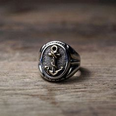 Colin O'Donoghue - Killian Jones -Captain Hook - Once Upon A Time Latest Fashion For Women, Mens Fashion, Fashion Menswear, Style Fashion, Anchor Rings, Anchor Jewelry, Jewelry Accessories, Fashion Accessories, Jewelry Shop