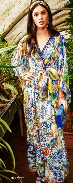 """dolce-and-gabbana-winter-2019-woman-collection-""""I love maiolica"""""""