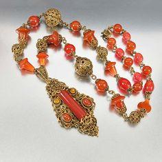 collier Art déco Tchécoslovaquie riche de cornaline perles de verre ! Le pendentif en laiton filigrane d'or avec une pierre de