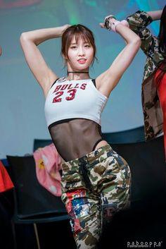 hirai momo asian pretty girl good-looking kpop ❤️ Cute Asian Girls, Beautiful Asian Girls, Sexy Hot Girls, Cute Girls, Kpop Girl Groups, Kpop Girls, Oppa Gangnam Style, Female Poses, Girl Body