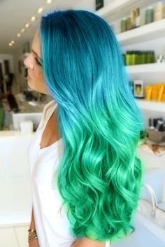 The Green eyed monster is definitely eyeing this one. #thehairloungenj loves amazing color