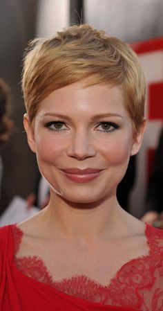 Michelle Williams pixie cut: More Pixie Haircut For Round Faces, Hair For Round Face Shape, Round Face Haircuts, Hairstyles For Round Faces, Pixie Hairstyles, Trendy Hairstyles, Pixie Haircuts, Pixie Cut Round Face, Michelle Williams Pixie