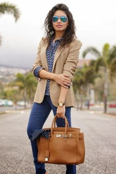 Outfits * Amazing Womens Blazer Outfits Ideas For 2019 - Outfit Invernali Beige Blazer Outfit, Look Blazer, Blazer Dress, Blazer Outfits For Women, Casual Outfits, Work Outfits, Dress Outfits, Fashion Moda, Work Fashion