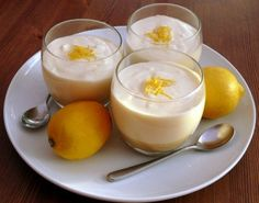 Cooking On A Budget: Cheesecake Lemon Mousse Desserts In A Glass, Great Desserts, Homemade Cheesecake, Lemon Cheesecake, Candy Recipes, Snack Recipes, Dessert Recipes, Snacks, Lemon Recipes
