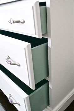 cute pop of color! Painting the drawers of white desk/dresser....on my to-do list