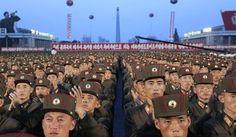 Los soldados se reúnen en la Plaza Kim Il Sung en Pyongyang, Corea del Norte, el jueves 6 de julio de 2017, para celebrar el lanzamiento de prueba del primer misil balístico intercontinental de Corea del Norte dos días antes.  El lanzamiento del ICBM de Norte, su prueba de misiles más exitosa hasta la fecha, ha alimentado las preocupaciones de seguridad en Washington, Seúl y Tokio, ya que mostró que el país podría perfeccionar un misil nuclear fiable capaz de llegar a cualquier lugar de los…