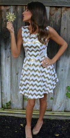 Gorgeous Dress!Love chevron & sparkles